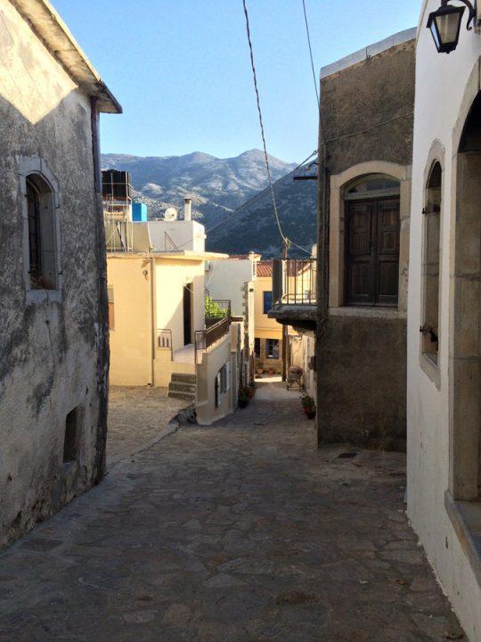 Väike küla